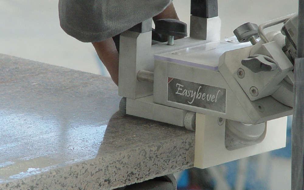 EASYBEVEL - The beveling machine for stone