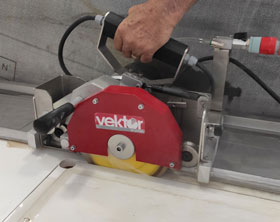 Portable electric rail saw